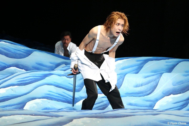 RICHARD II, Regia: Yukio Ninagawa Teatrul de Arte Saitama, Japonia